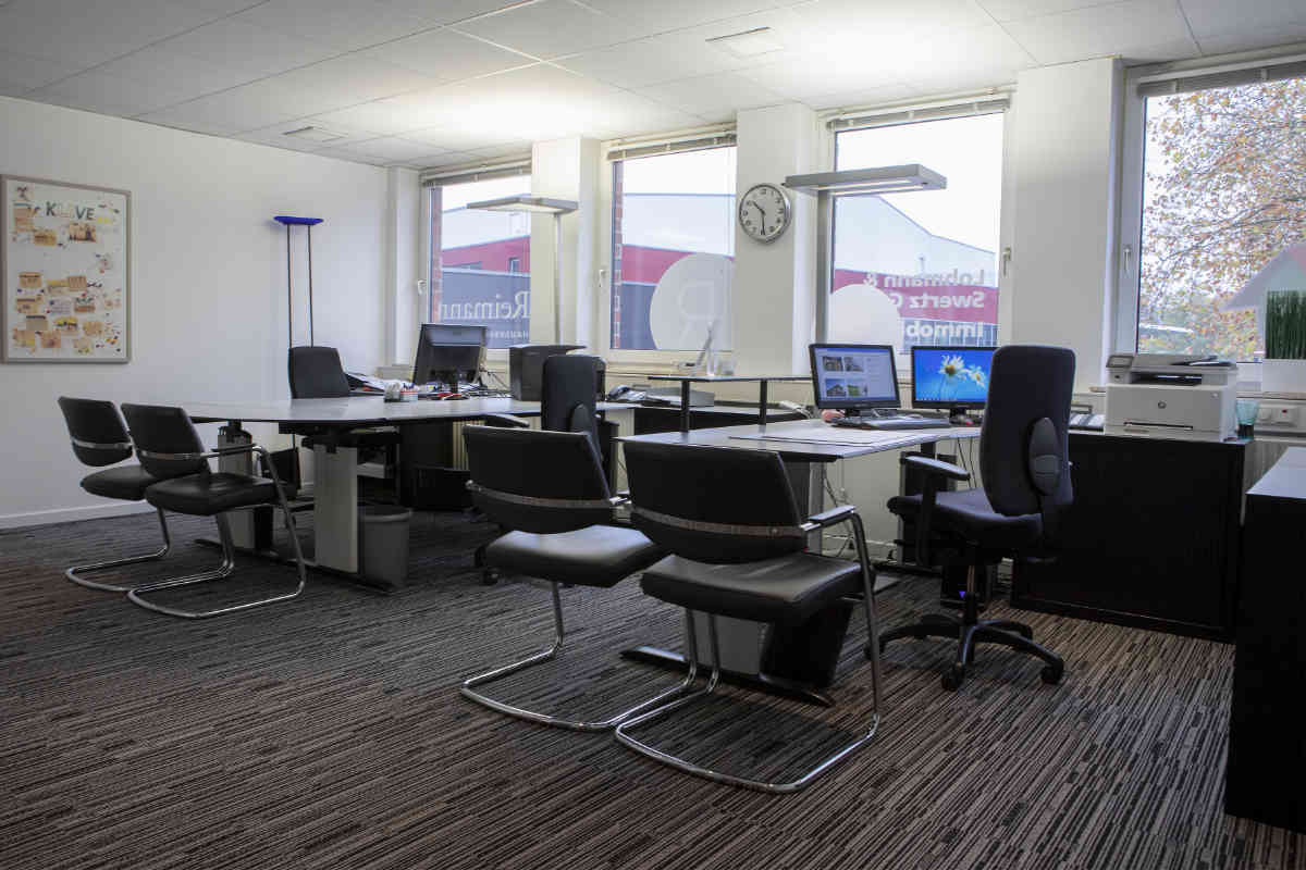 Domizilservice – Büro vier Arbeitsplätze vollausgestattet